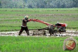 Petani Di Sukabumi Akan Dibekali Kartu Tani
