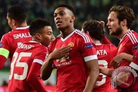 United kalahkan Derby untuk redakan tekanan terhadap Val Gaal