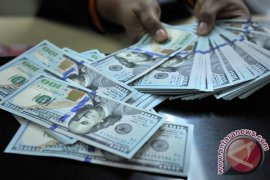 Dolar Amerika turun tipis dampak perdagangan sepi karena libur Paskah