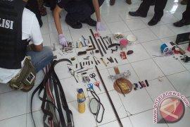 Polisi-TNI Temukan Alat Narkoba Di Lapas Singaraja