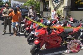 Polres Badung tembak pelaku jambret resahkan wisatawan