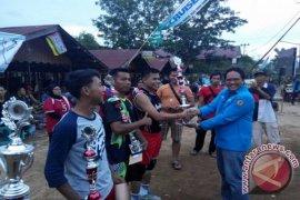 Klub Polres HST Putra Juarai Turnamen Volly KNPI