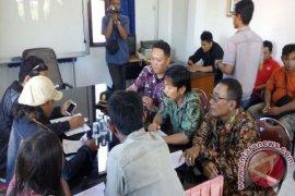 Warga Surabaya Demo Arogansi Petugas Satpol PP