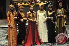 Perancang Indonesia promosikan busana muslim di Inggris