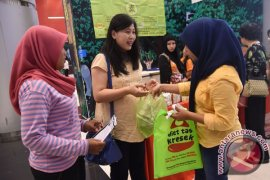 Sejumlah Ritel Di Bogor Berlakukan Plastik Berbayar