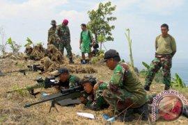 Danpasmar-1 Tinjau Latihan Sniper di Malang Selatan