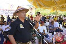 Gubernur Gorontalo Minta Kades Fasilitasi Listrik Gratis