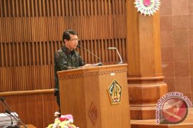 Pemkab Klungkung Menerima Penghargaan Transparansi dari UGM Yogyakarta
