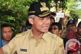 Ganjar Pranowo Akan Bantu Ungkap Korupsi E-KTP