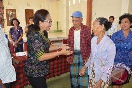 Pemkab Buleleng Gelontorkan Bantuan Sosial Untuk Lansia