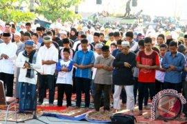 Ribuan Umat Muslim di Balikpapan Shalat Gerhana