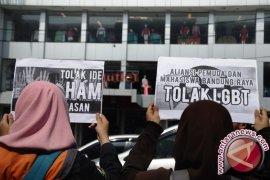 Belasan waria salon di Aceh Utara terjaring operasi pekat LGBT