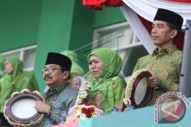 Khofifah dan Emil resmi jadi Gubernur dan Wakil Gubernur Jatim
