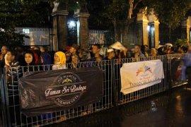 68.889 pengunjung meriahkan Air Mancur berjoget Purwakarta pada malam tahun baru