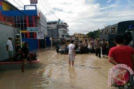 Ratusan Rumah Karawang Rusak Diterjang Banjir Rob
