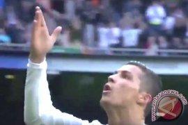 Madrid bantai Celta Vigo 7-1, Ronaldo cetak empat Page 1 Small