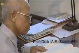 Mantan Rektor IPB Prof AM Satari Tutup Usia