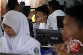 SMP Di Gorontalo Pinjam Laptop Untuk UNBK