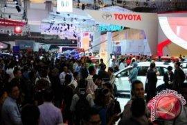 Harga BBM Turun Belum Pengaruhi Penjualan Otomotif