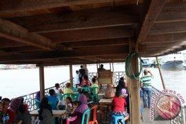 Wisata Air Sungai Kapuas di Alun-alun