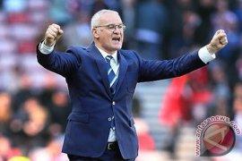 Leicester Pecat Manajer Claudio Ranieri