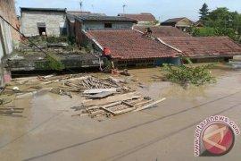 Empat Wanita Hamil Dievakuasi Dari Lokasi Banjir