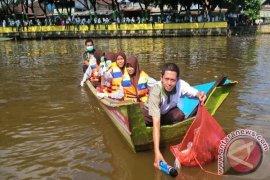 DLH Samarinda Bersama RT Komitmen Bersihkan Sungai