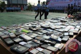 Pemusnahan Handphone Warga Binaan