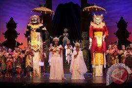 Wisman Kagumi Drama Teatrikal Pluralisme Bali Agung