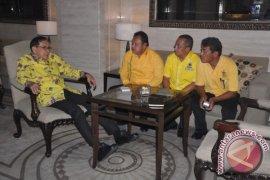Sukran Mendapat Dukungan Dari Akbar Tanjung