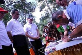 Mentan Canangkan Hutan Durian Internasional di Trenggalek