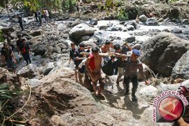 Tragis, 17 Mahasiswa Tewas Dihanyutkan Sungai