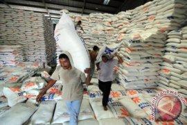 Aceh Singkil terima 109 ton beras bantuan banjir