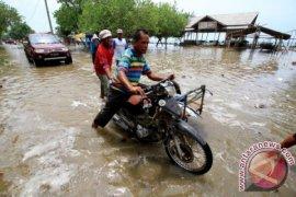 Sejumlah desa di Aceh Jaya terisolir akibat banjir