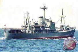 KRI Multatuli-561 kejar dan tangkap dua kapal ikan asing