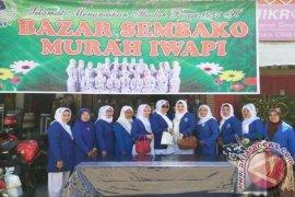Iwapi Aceh Tamiang gelar bazar sembako
