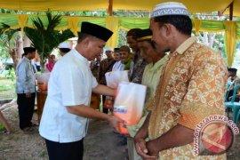 Pemkab Pohuwato Bagikan Sembako Gratis ke Warga