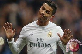 Zidane Tidak Mengerti Mengapa Ronaldo Dicemooh Para Penggemar
