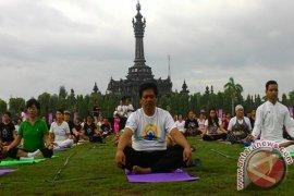 Wagub Bali Ikuti Kegiatan Yoga Sedunia