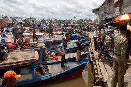 Masyarakat Desak Penertiban Dermaga Sungai Sambas