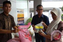 Bank Mandiri Salurkan 850 Paket Sembako