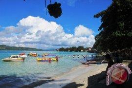 Kemenko Marves minta studi kelayakan pelabuhan internasional hub di pulau Ambon