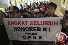 Banten Tunggu Keputusan Kemenpan Pengangkatan Honorer K1