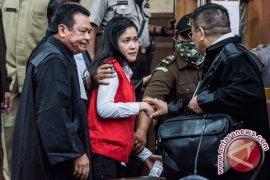 Hakim Izinkan Jessica tak Kenakan Baju Tahanan