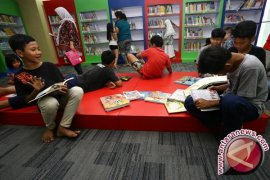 Penggunaan Bahasa Indonesia Di Ruang Publik Rendah