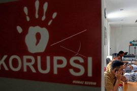Pegiat antikorupsi dan LSM Kalsel lapor kasus mandek ke Komisi Kejagung
