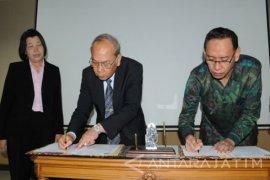 Peneliti Ubaya Paparkan Riset Akuntansi di Thailand-Malaysia