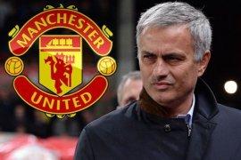 Mourinho Diusir saat MU Ditahan Imbang West Ham