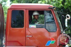 Distribusi BBM di Kalbar Masih Dilakukan TNI - Polri