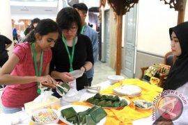Peserta International Student Forum Kunjungi Kutai Kartanegara